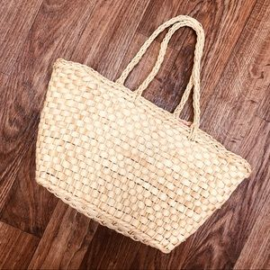 Handbags - Straw bag, woven great condition!